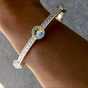 Jewelry - Silver Rhinestone Bangle
